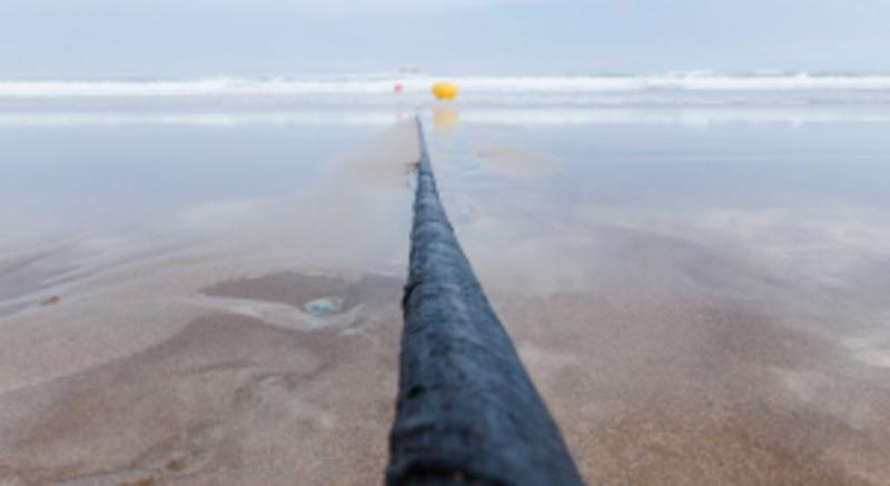 Як Інтернет подорожує під водою по надшвидких кабелях?