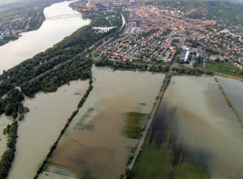 Основна причина паводків — забудова заплав. Рубка лісу має значення, але не принципове
