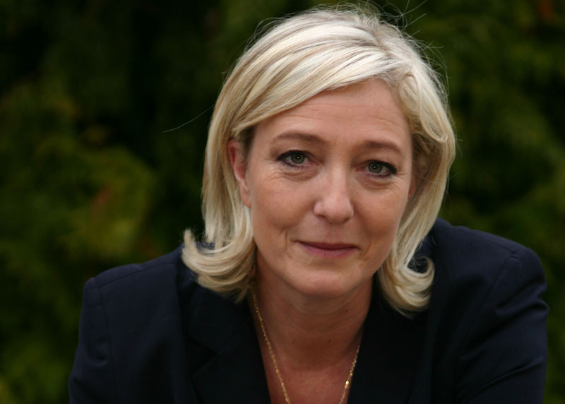 Франція: Марін Ле Пен за гроші Путіна запустила сценарій хаосу?