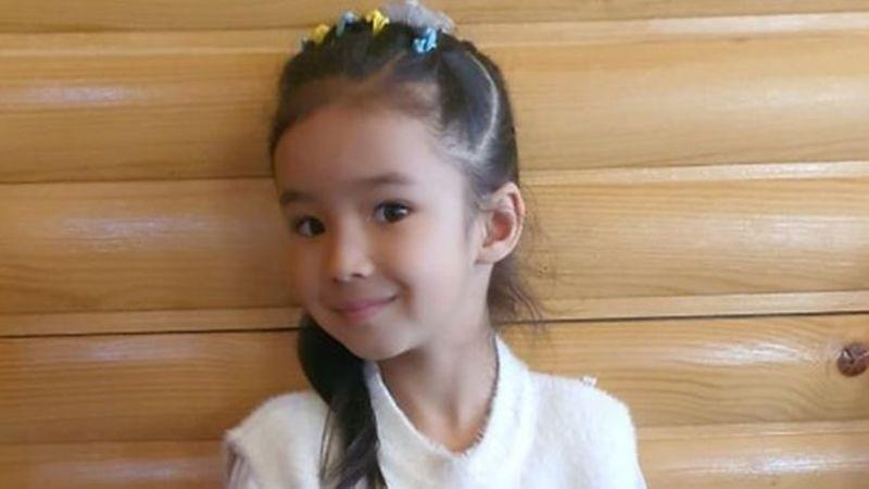 5-річна дівчинка з Прикарпаття викладає китайську. Відео