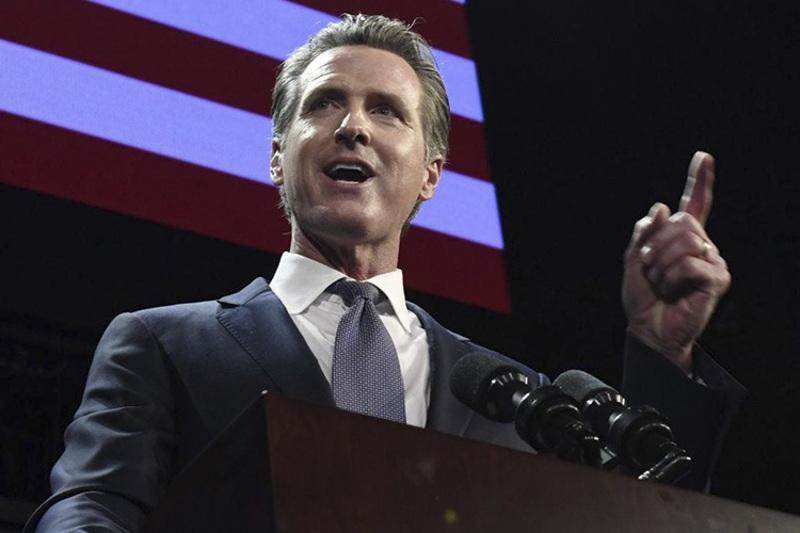 Скільки заробляють губернатори в США?