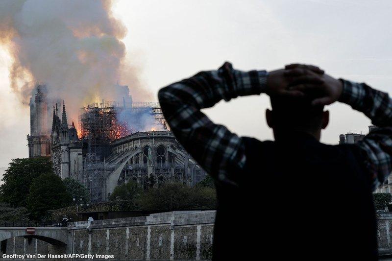 Назвали причину пожежі в Нотр-Дам де Парі