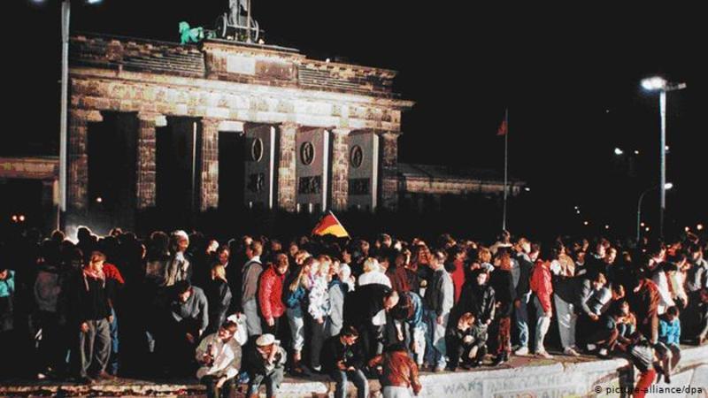 30 років тому впала Берлінська стіна  - як це було