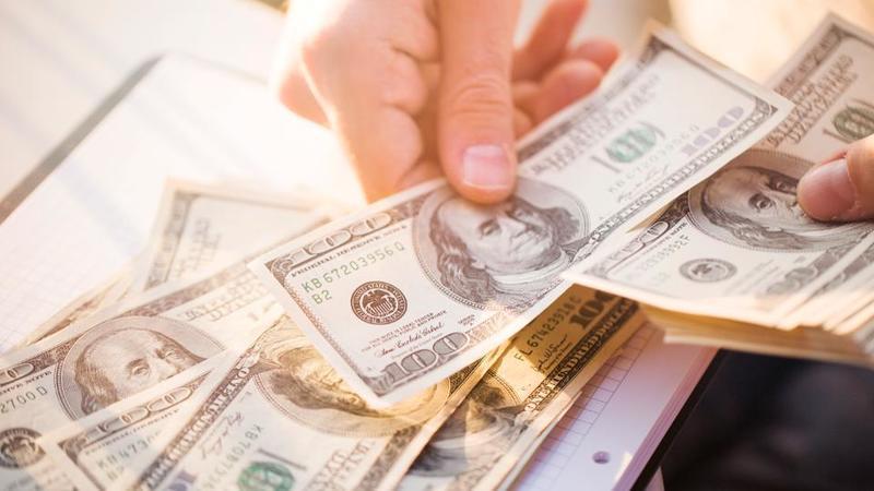 Стимуляційні чеки у $1000 - як і кому виплатять