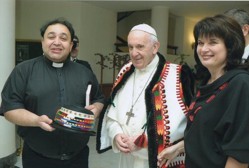 Папа Франциск привітав з 25-літнім подружнім ювілеєм священика УГКЦ з Чернівців та його дружину (ФОТО)