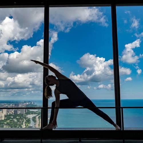 Йога в 360 CHICAGO