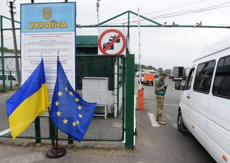 Українцям стали частіше відмовляти у в'їзді в ЄС за безвізом