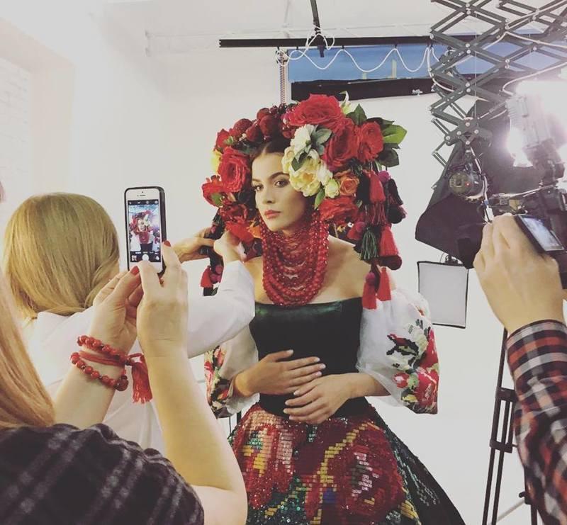 """Українка показала розкішний національний костюм для """"Міс Всесвіт-2016"""""""