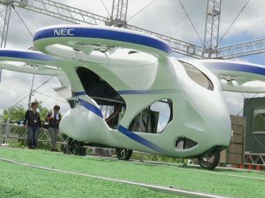 В Японії протестували літаючий автомобіль. Відео