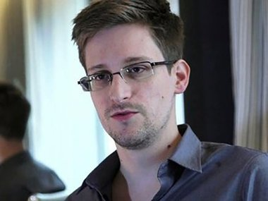 Влада США подала до суду на Сноудена через його книгу