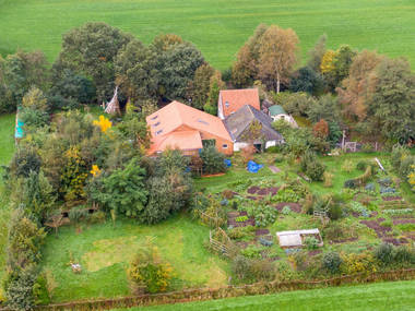 У Нідерландах чоловік з шістьма дітьми жив під землею