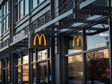 1 млн масок: як McDonald's допомагає медикам Іллінойсу