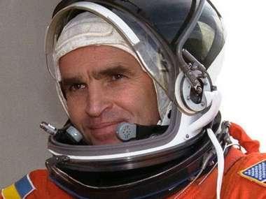 В Україні створять меморіал першому українському космонавту Каденюку — Зеленський
