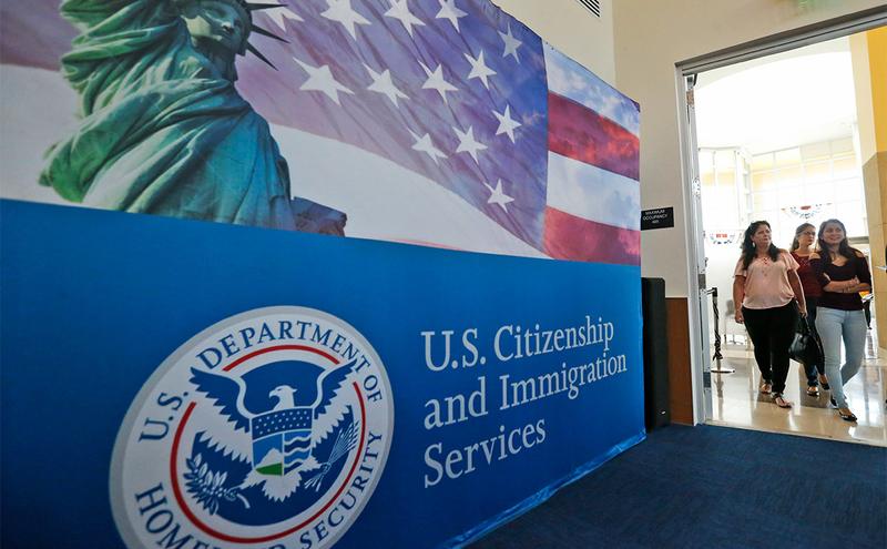 США закривають офіс Служби імміграції в Москві