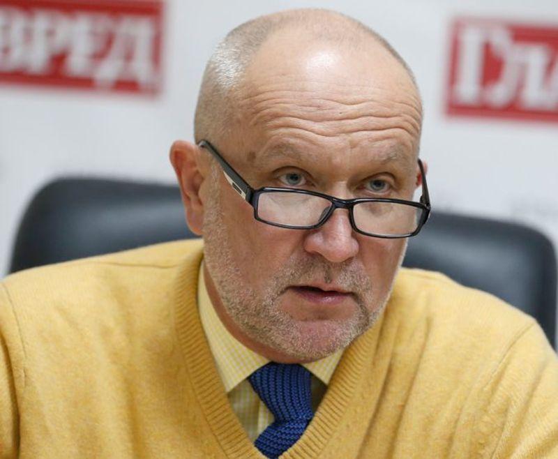 Яневський поскаржився у суд на бездіяльність слідчого у справі Мендель
