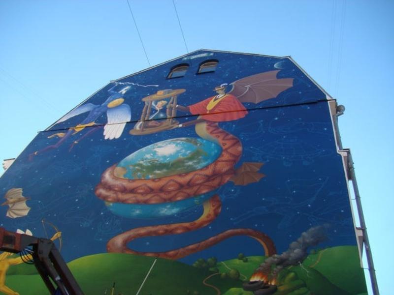 Змій з обличчям Путіна з'явився на новому графіті в Києві