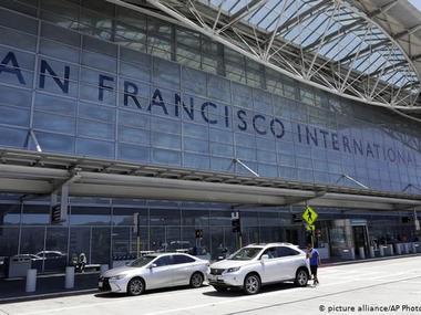 В аеропорту Сан-Франциско заборонять продаж води в пластикових пляшках