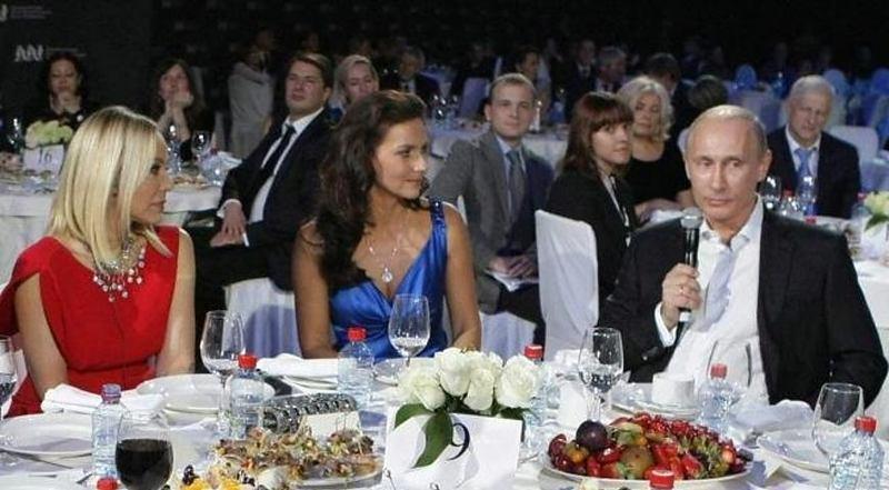 Відому акторку можуть ув'язнити через вечерю з Путіним