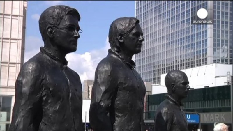 Snowden, Assange and Manning statues unveiled in Berlin