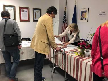 Як голосували українці у США