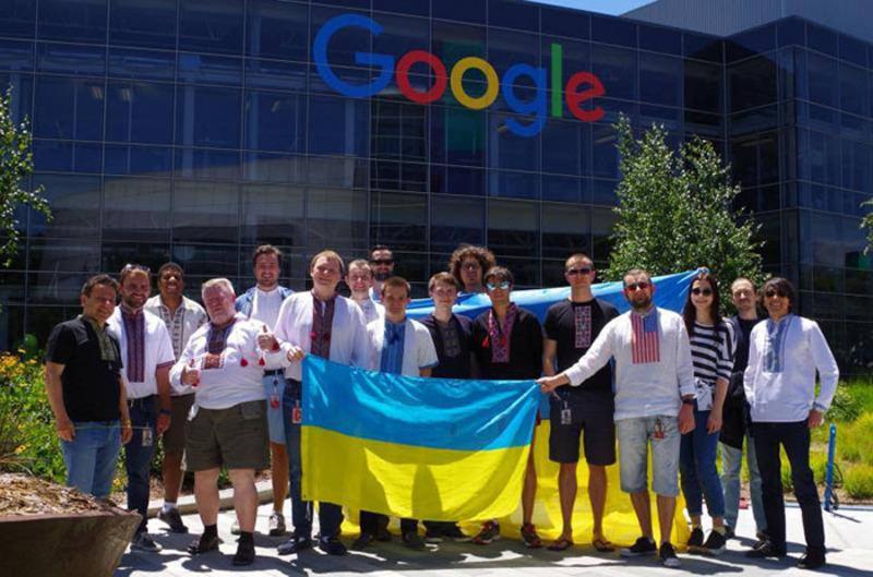 Співробітники корпорації Google вдягнулись у вишиванки