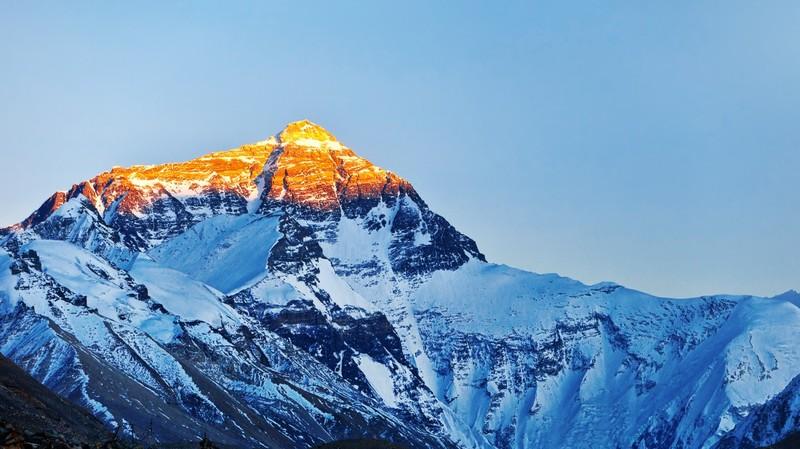 Українські альпіністи підкорять Еверест заради хворої дівчинки