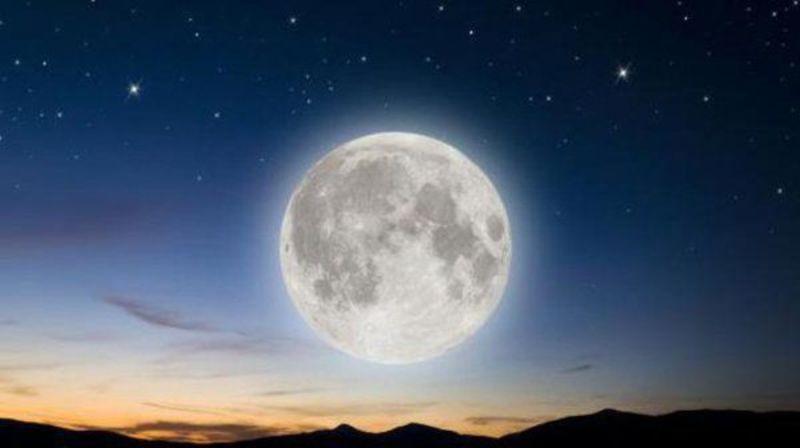 Повний місяць з'явиться на небі в п'ятницю 13-го вперше майже за 20 років