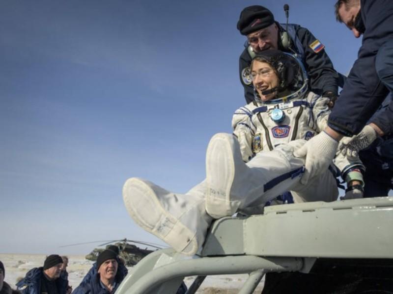 Астронавт-рекордсменка Крістіна Кох повернулася на Землю