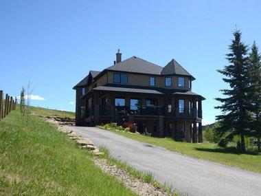 У Канаді жінка віддає розкішний маєток за 25 доларів