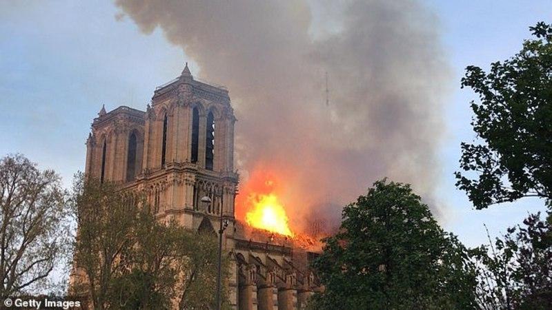 Трамп закликав діяти швидко через пожежу в Соборі Паризької Богоматері