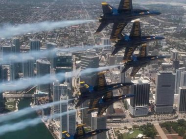 Blue Angels пролетять над Чикаго