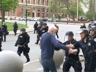 Ціле відділення поліції відмовилося працювати у знак підтримки товаришів