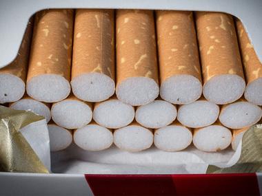 В Іллінойсі заборонять купувати тютюн особам до 21