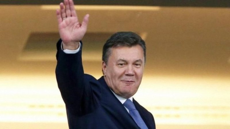 """Янукович хоче допомогти Зеленському """"об'єднати країну"""""""