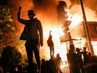 Вбивство в Міннеаполісі: протести охопили всю країну