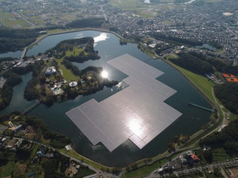 Тайфун пошкодив найбільшу в Японії плавучу сонячну електростанцію