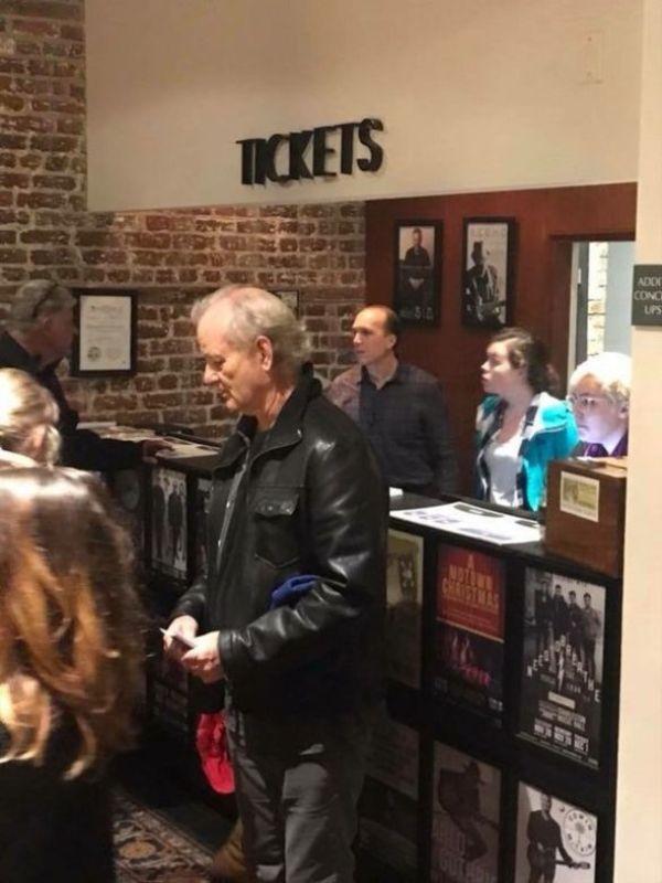 Голлівудський актор викупив квитки на концерт і роздав їх людям