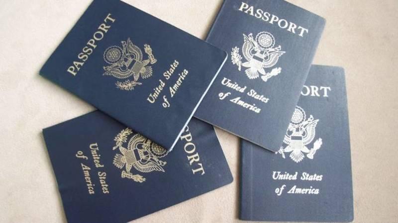 Неплатників податків позбавлять паспортів