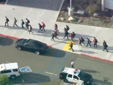 Стрілянина в школі Каліфорнії  -  є загиблі