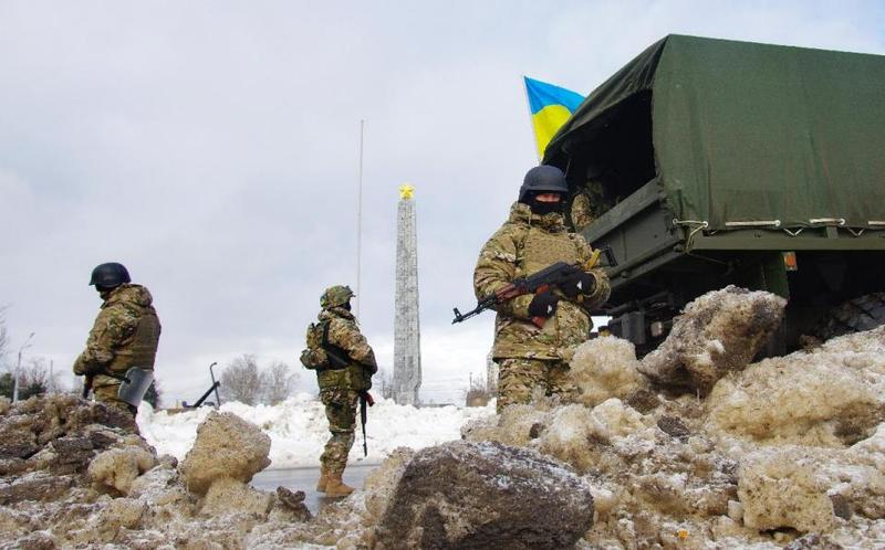 Eight killed in Ukraine as peace talk prospects dim