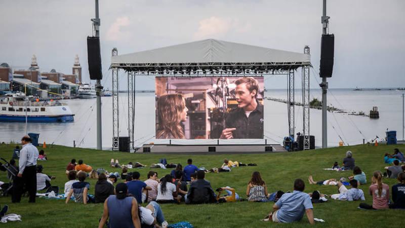 Безкоштовні фільми про супергероїв на Navy Pier