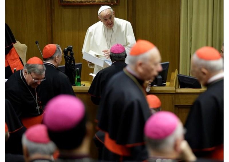 """Папа Римський визнав теорію еволюції і """"Великий вибух"""""""