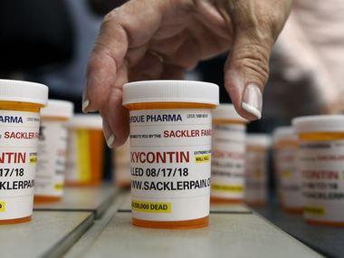 60 американців заарештували за махінації з рецептурними опіоїдними препаратами
