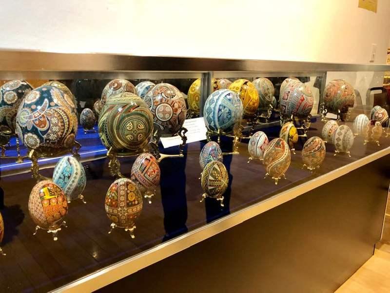 В Українському національному музеї в Чикаго триває виставка «Великоднє диво»