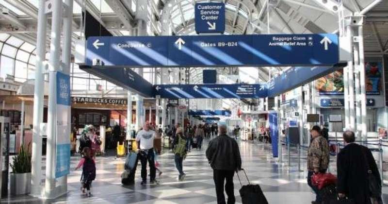 У аеропортах Чикаго скасували понад 800 рейсів