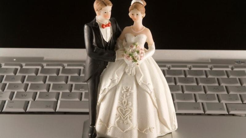 Невдовзі українці зможуть одружуватися та розлучатися завдяки Інтернету