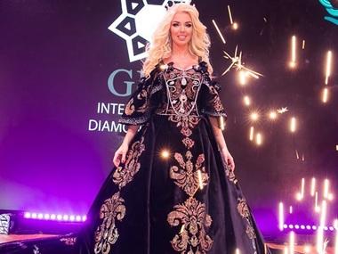 Українська дизайнерка створила сукню за півмільйона доларів