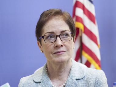 Марі Йованович відкликають з посади посла США в Україні